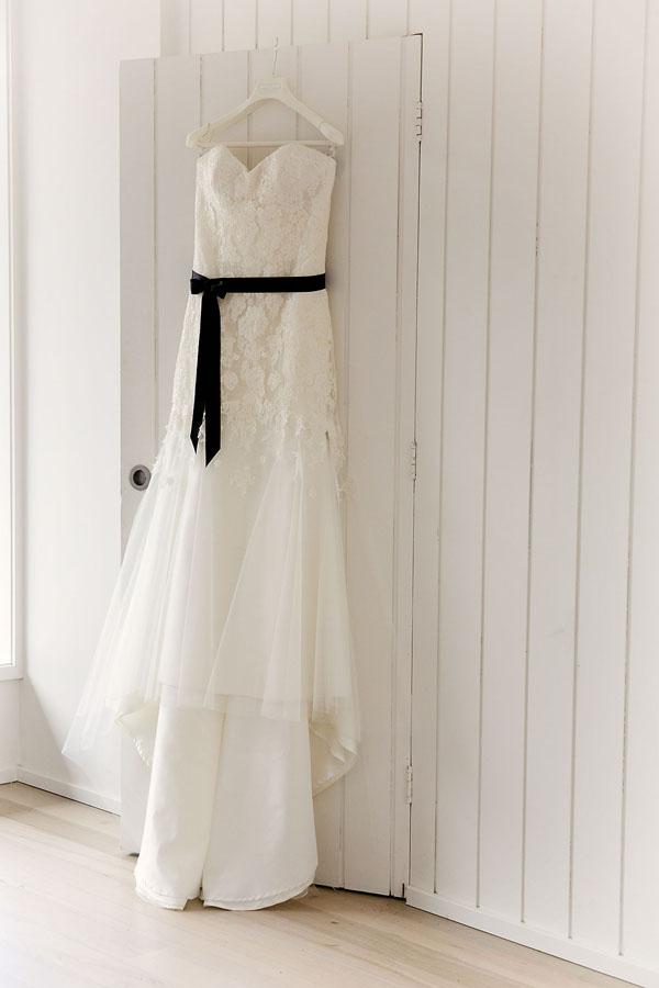 beach box photography - wedding dress